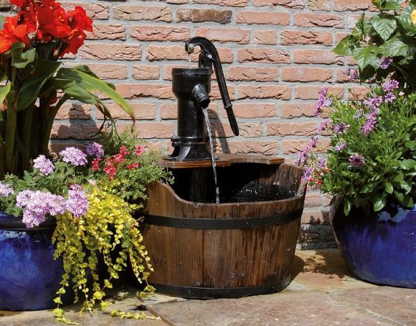 """Gartenbrunnen """"Newcastle"""" aus Gusseisen, schwarz/braun (Kopie) Schwab"""